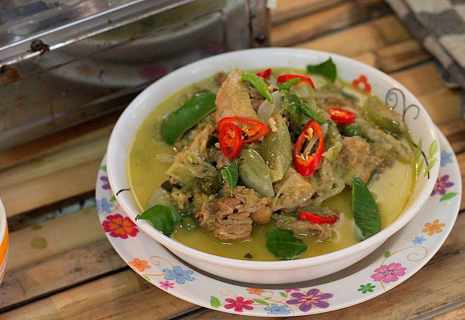 Ann's Thai cooking clas - Kang Keaw Wan Kai ready to eat