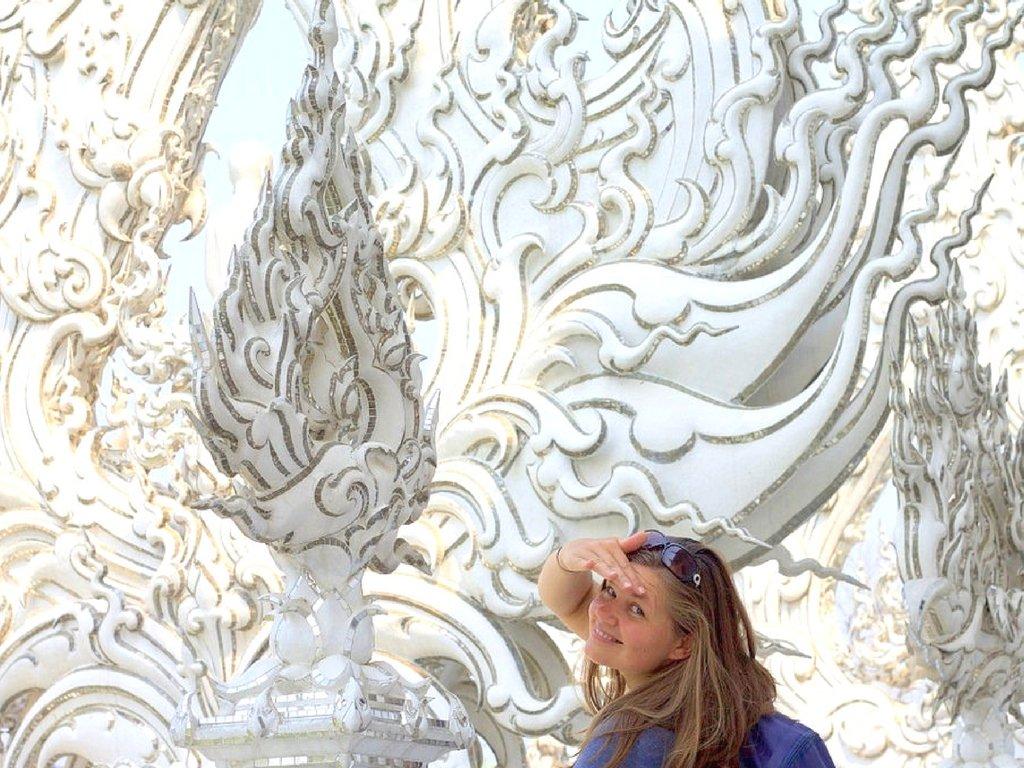 white-temple-wat-rong-khun-chiang-rai-thailand