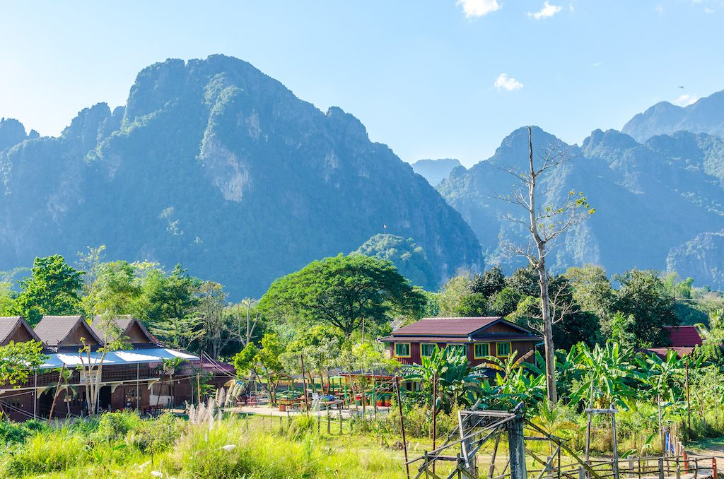 vang-vieng-village-mountains