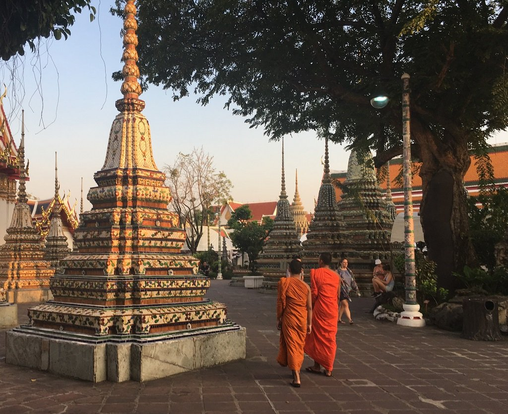 Wat Pho - monks in the twilight