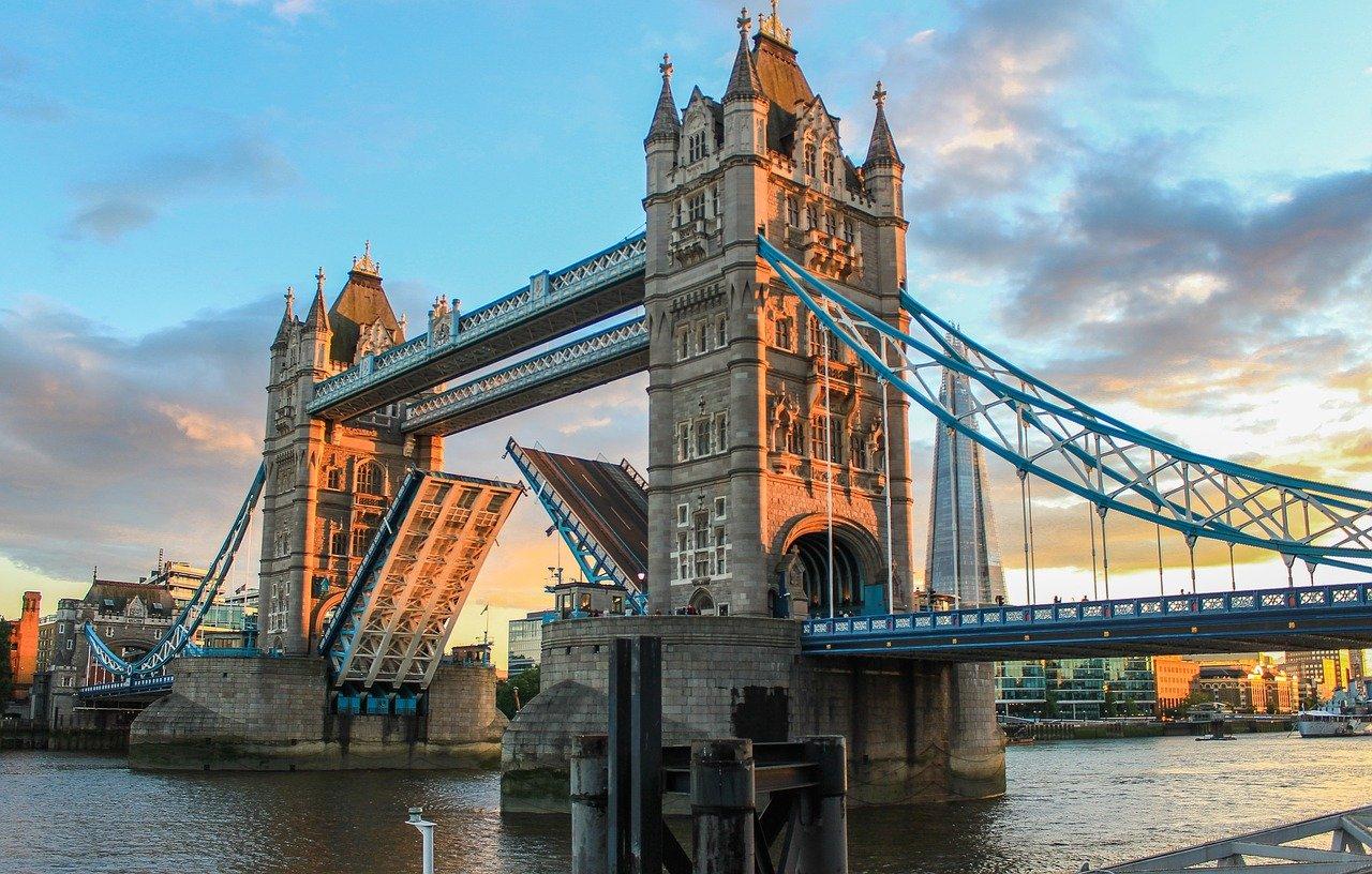 tower bridge open london
